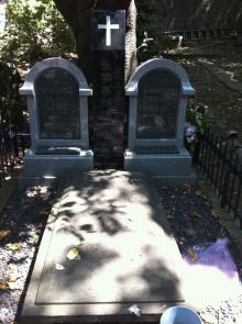外人墓地10