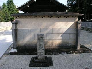 虫鹿神社の蕃塀
