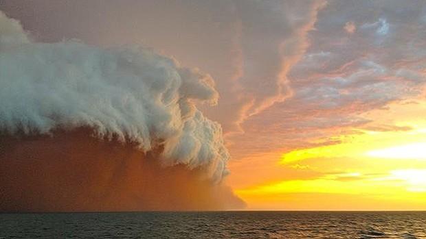australia-storm.jpg