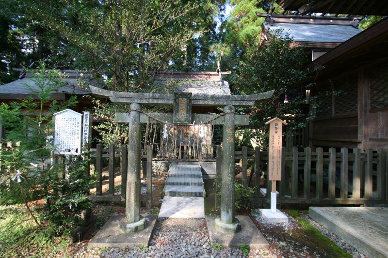 japan-kumamoto-heitate-jingu-shrine15.jpg