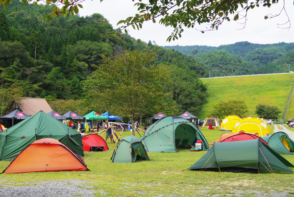 true camp 2012005