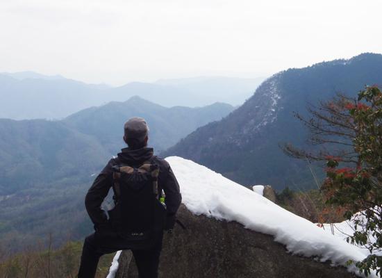 岳山010