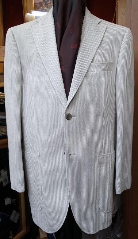 白いオーダージャケット
