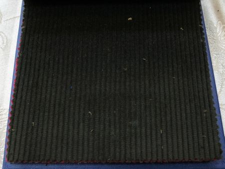秋冬のオーダージャケットは緑色のコーデュロイの生地で