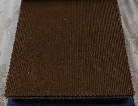 秋冬のオーダージャケットはブラウン色のコーデュロイの生地で
