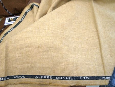 銀杏色の黄色いヘリンボーンのジャケット服地秋冬