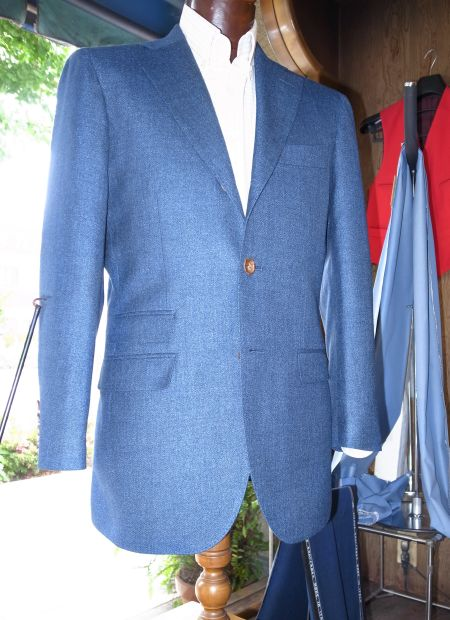 ETHOMAS社の青いオーダージャケット