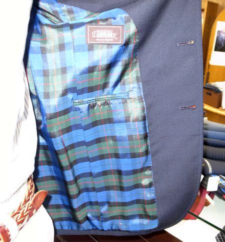 葛利毛織のブレザー