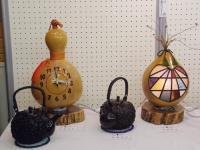 ひょうたんの時計とランプと急須