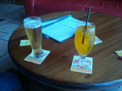 ビールとソフトドリンクオレンジ
