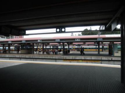 ローマストリート駅ホーム