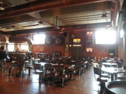 併設されているレストラン1