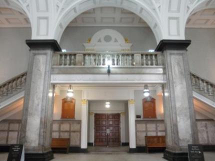 入り口ホール