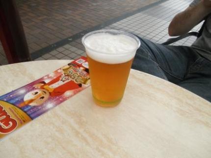 ビールも飲む