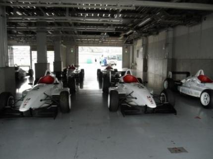 レーシングカーたくさん