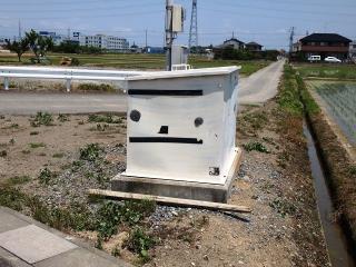 顔にしか見えないゴミ箱
