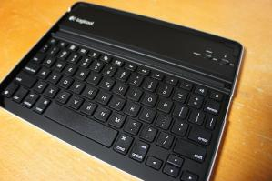 ipad2_logicool_keyboard_tk700_04.jpg