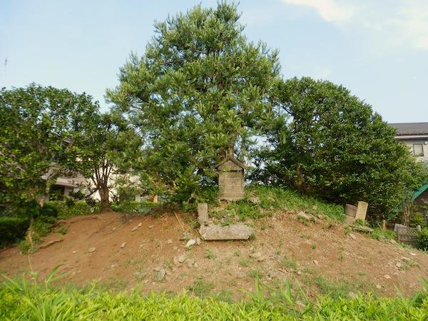 稲荷塚古墳(世田谷区指定史跡)