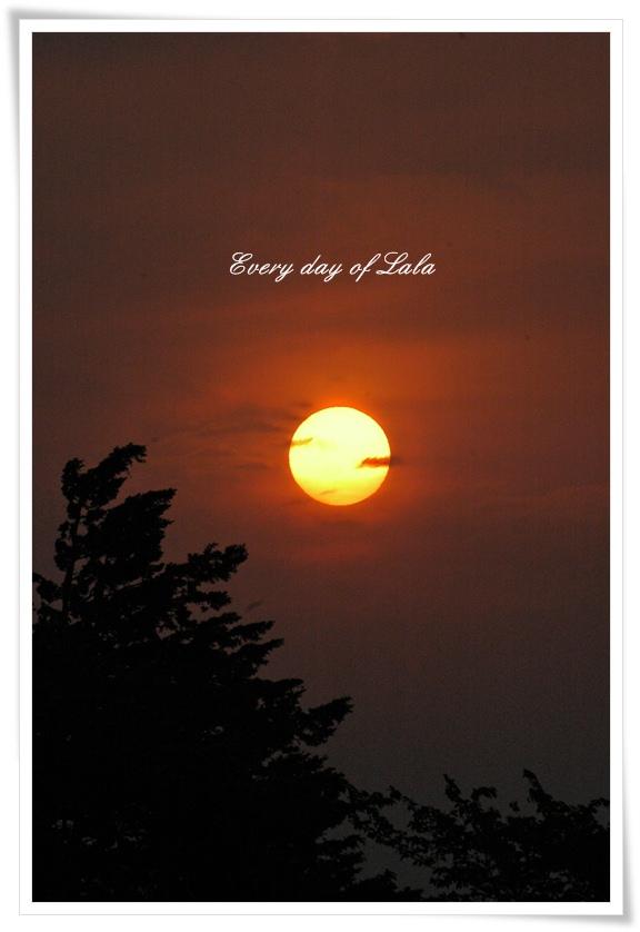 キャンプで日の出201205