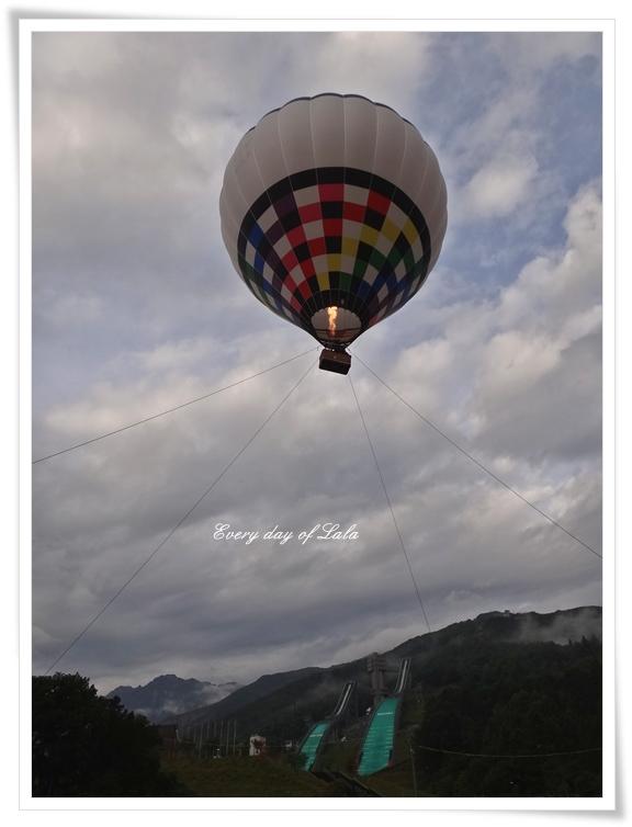 気球あがりました3_201210