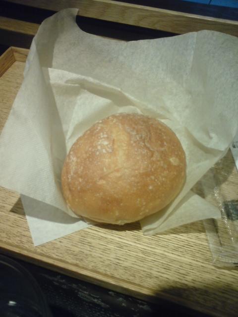 帰りに食べたパン