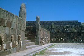 275px-Tiwanaku_-_Versunkener_Hof.jpg