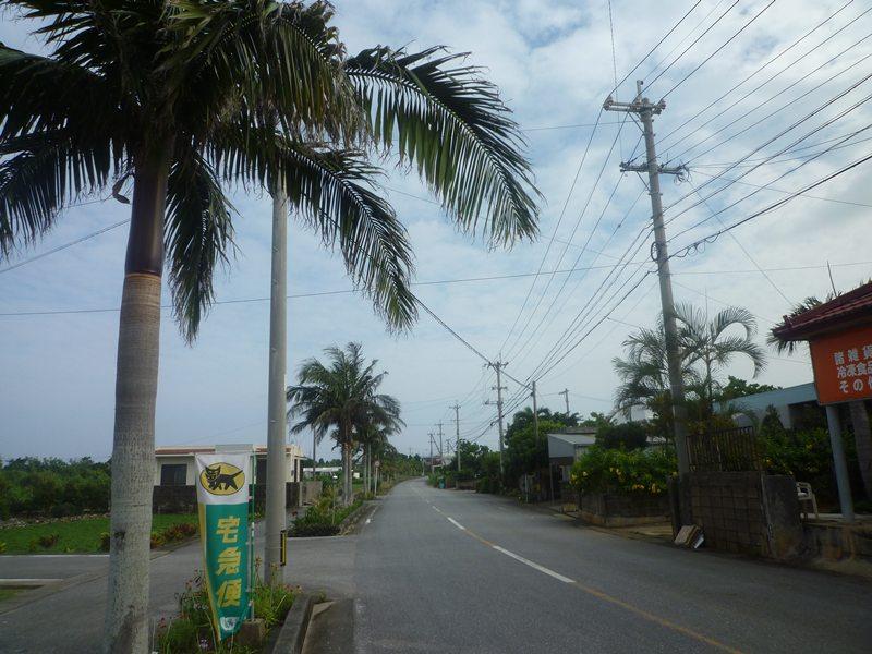 宮古島の道路。
