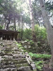 20120520山 お宮さん