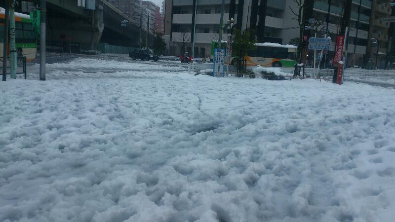 20140215雪かき1宮地交差点