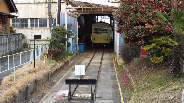 近鉄車両課富吉検車区内部車庫