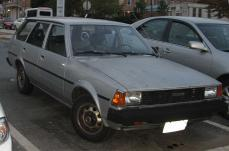 800px-4th-Toyota-Corolla-wagon-2.jpg