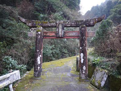 参道入口の鳥居