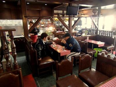 「cafe CoCoRo」の店内