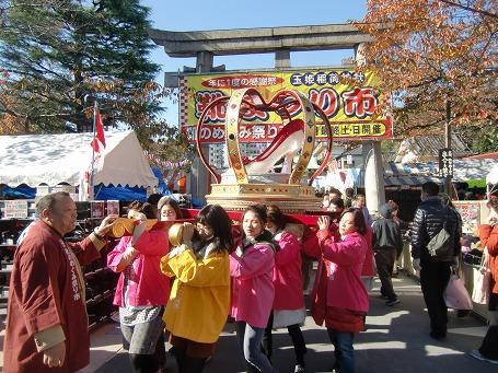「靴のめぐみ祭り市」女神輿