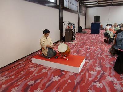 相撲太鼓の実演