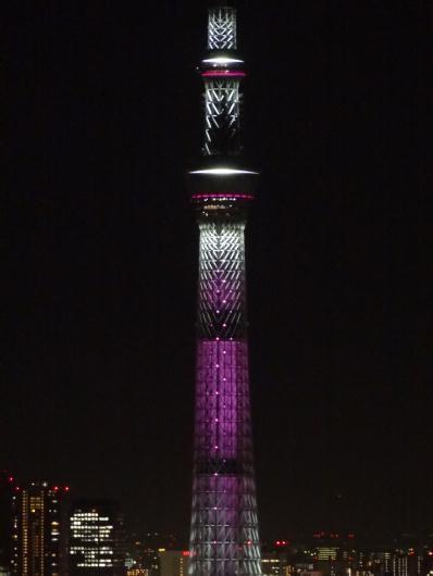 10月1日 東京スカイツリーがピンク色の特別ライティング