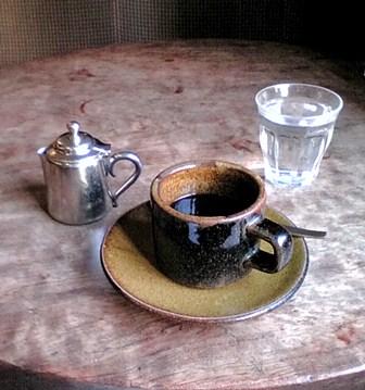 F1000134 房州でコーヒー w