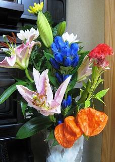 仏壇のそばのお花