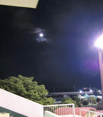 レース場から見た空