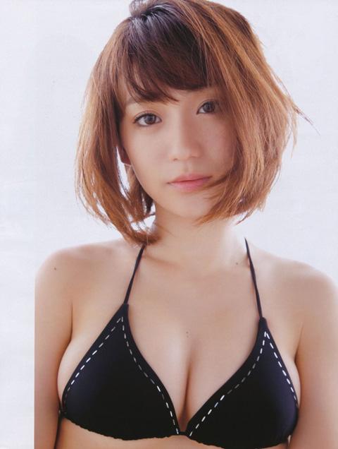 大島優子 おっぱいの谷間画像