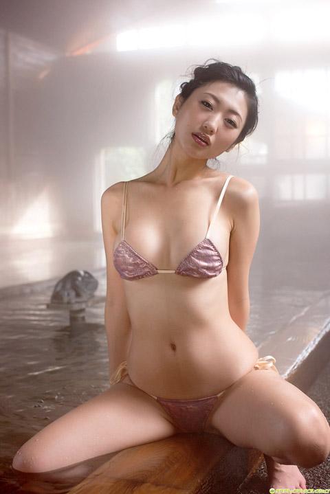 壇蜜 温泉水着画像1