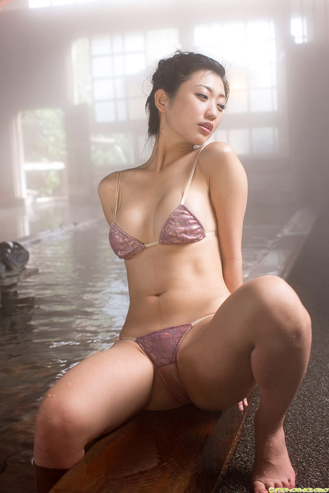 壇蜜 温泉水着画像2