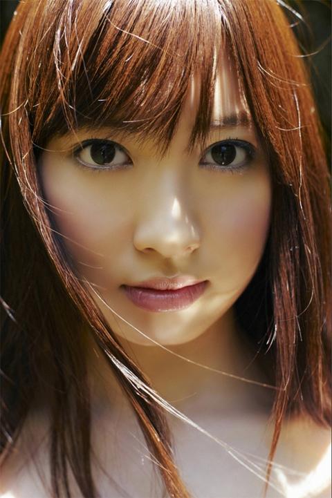 小嶋陽菜 かわいい表情の画像