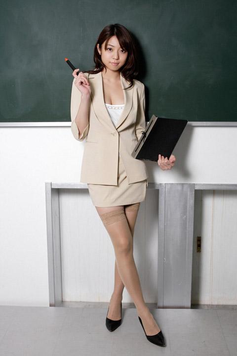 中村静香 女教師コスプレ画像