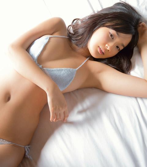 高嶋香帆 脇画像