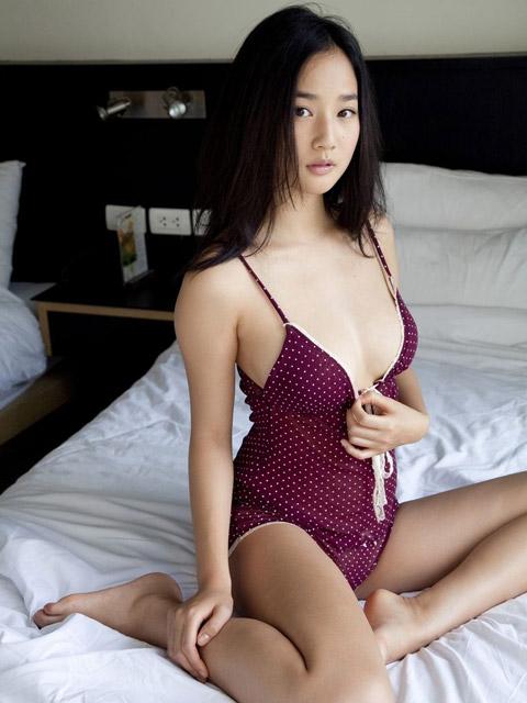 高嶋香帆 横乳画像2
