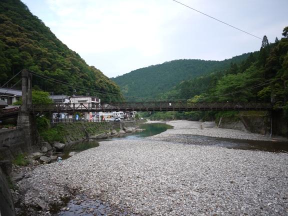温泉宿と川って よく似合うよね♪