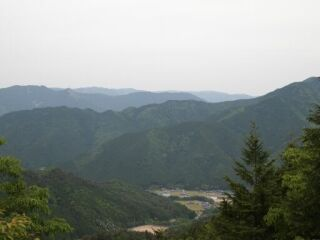 20120520遍妙の滝神河町遠景