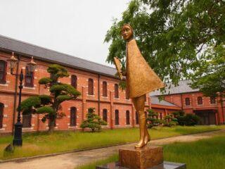 20120524姫路美術館花束を持つ少女像