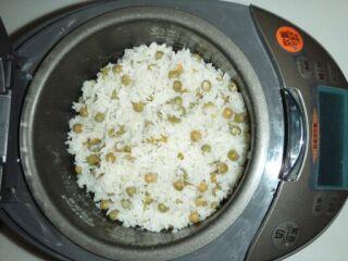 豆ご飯炊き上がり